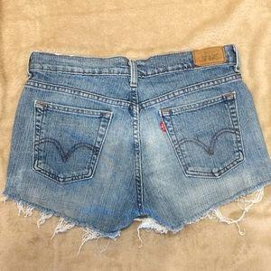 Vintage Levi's jean shorts size 6